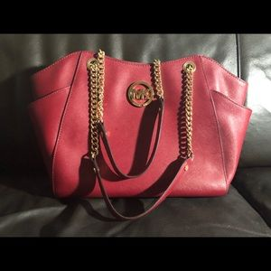 Micheal Kors Women's Large Chain Shoulder Tote